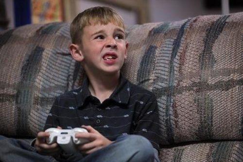 Ребенок с синдромом Туретта